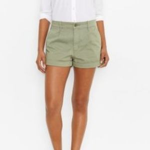 Levi's Chino Shorts in Spanish Moss (NWT)